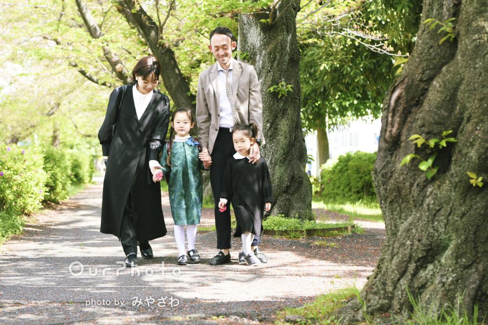 「いい仕上がりで満足」ランドセル姿で入学を記念した家族写真の撮影