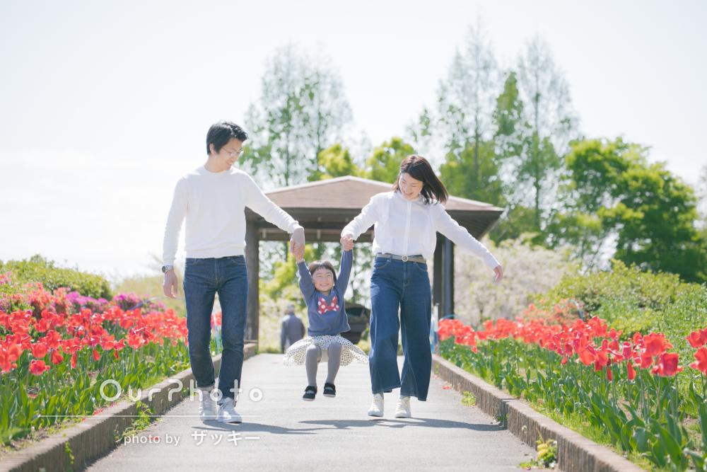 「子どももすぐに慣れ、自然な表情を切り取ってもらえ」家族写真の撮影