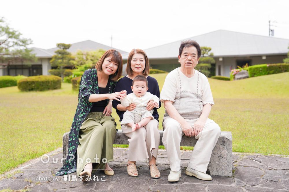 「大変良い記念になりました」初節句の記念に公園にて家族写真の撮影
