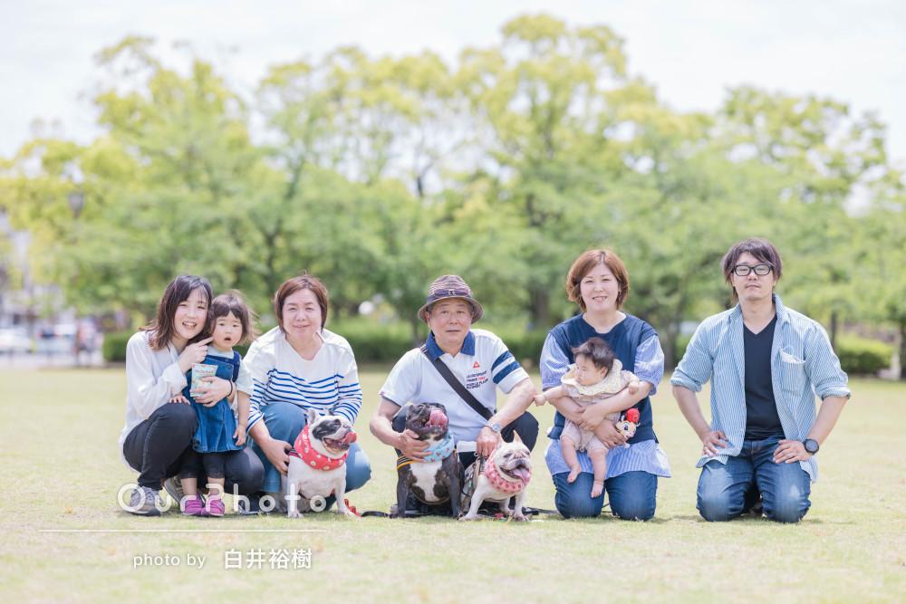 「とてもいい家族の記念になりました」和気あいあいとペット写真の撮影