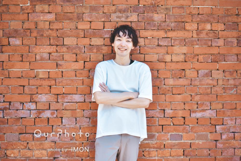 「撮影スキルが素晴らしいと思います」街中で男性プロフィール写真の撮影