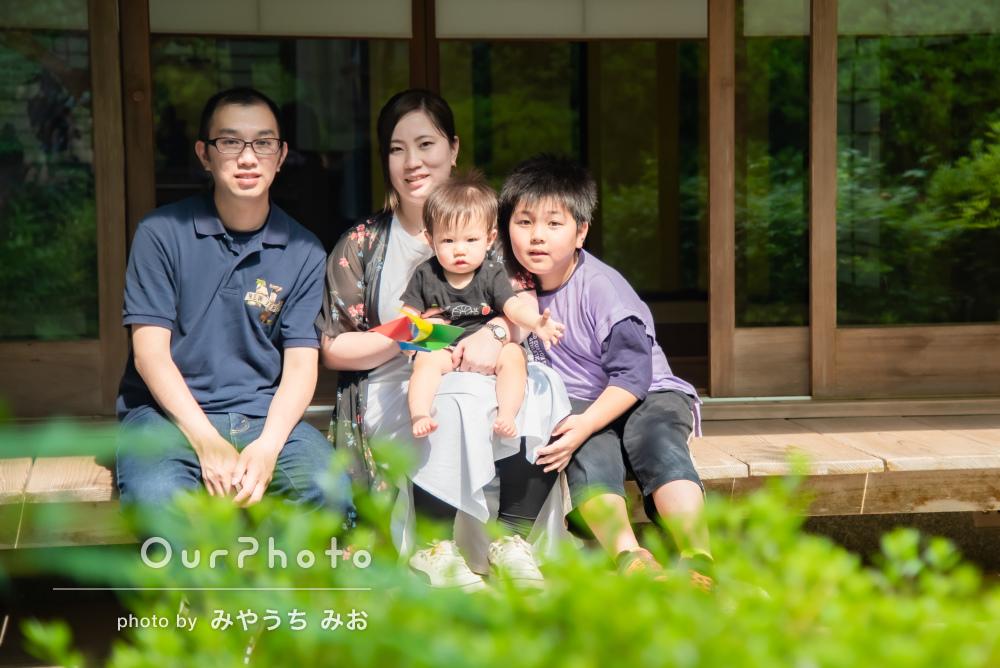 「とても自然体ですごく嬉しかった」初誕生日のお参りで家族写真の撮影