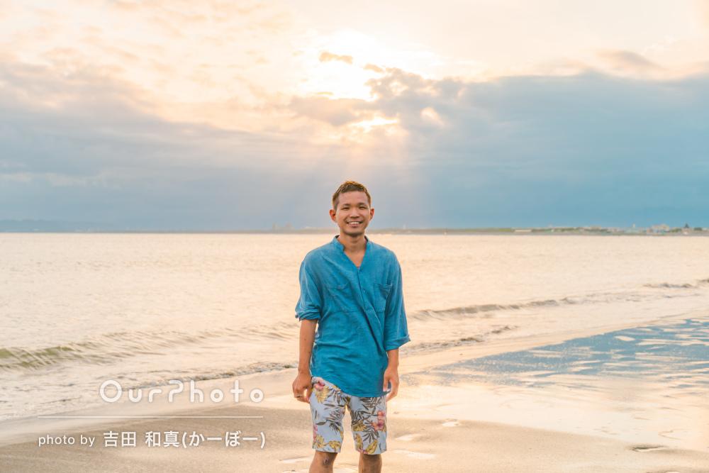 「たくさん笑顔の写真撮っていただき」海辺でプロフィール写真の撮影