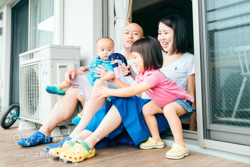 「自分ではなかなか撮れない一瞬を撮ってもらって」家族写真の撮影