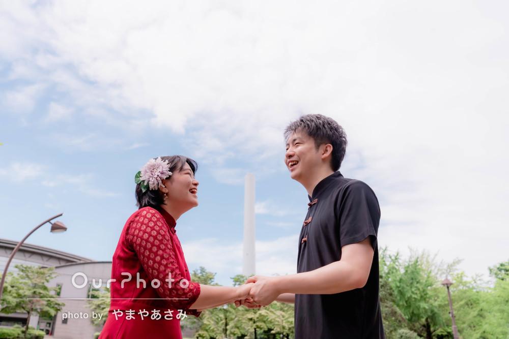 「気持ちよく撮影」結婚記念日にチャイナ風の衣装でカップルフォトの撮影