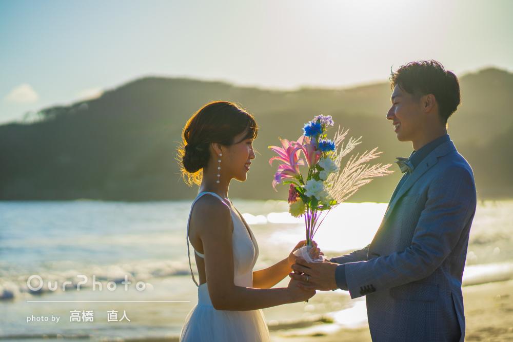 「楽しく撮影できました」夕日の差す綺麗な海辺でカップルフォトの撮影