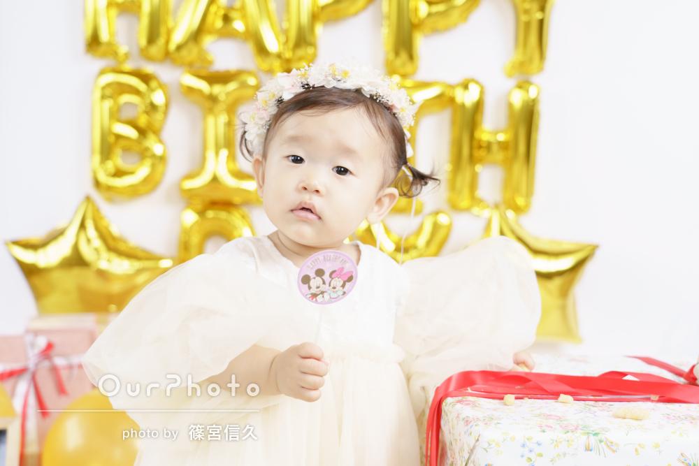 ワンピースや花冠で気分はプリンセス!1歳誕生日に家族写真の撮影