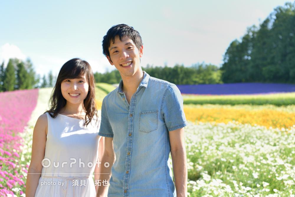 「非常に良い写真になりました」鮮やかなお花畑でカップルフォトの撮影