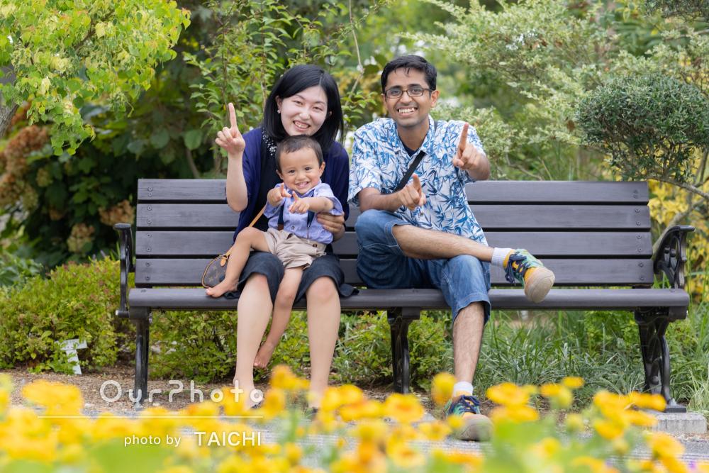 「夏らしい写真で良い記念に」華やかな家族写真とバースデーフォトの撮影