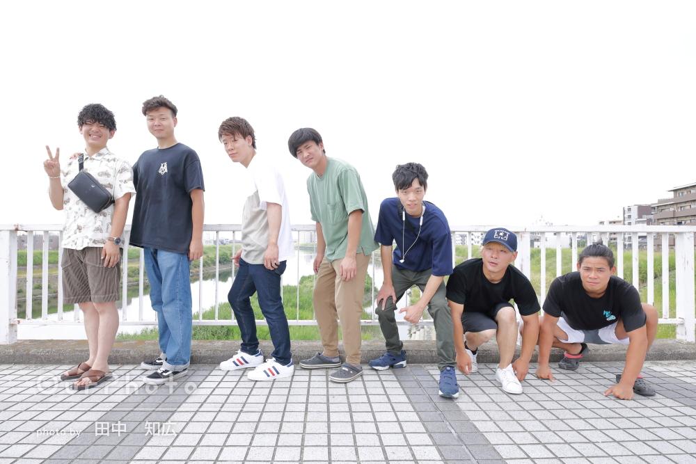 「とても楽しく撮影できました!」男性7人で賑やかに!友フォトの撮影
