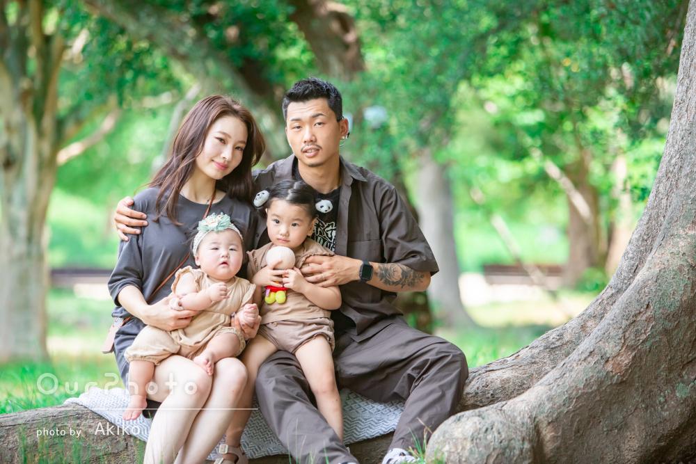 「私達全員に気遣いをたくさんして」涼しい緑の中で家族写真の撮影