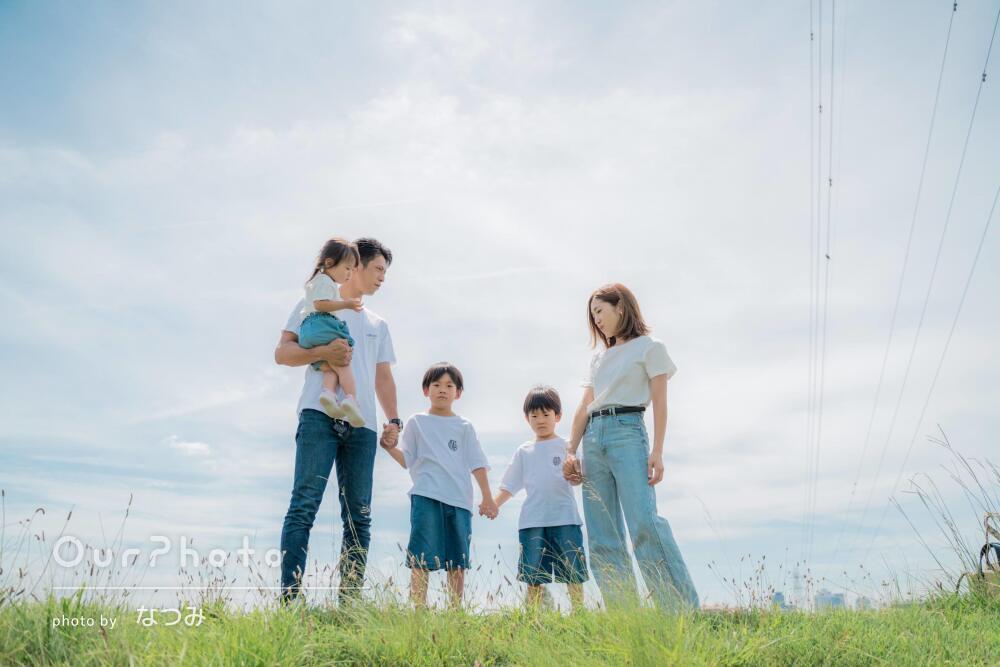 「とても楽しく撮影できてよかった」リンクコーデをして家族写真の撮影