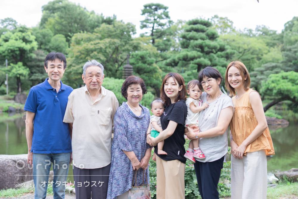 「本格的な写真をたくさん撮っていただき感激」温かな家族写真の撮影