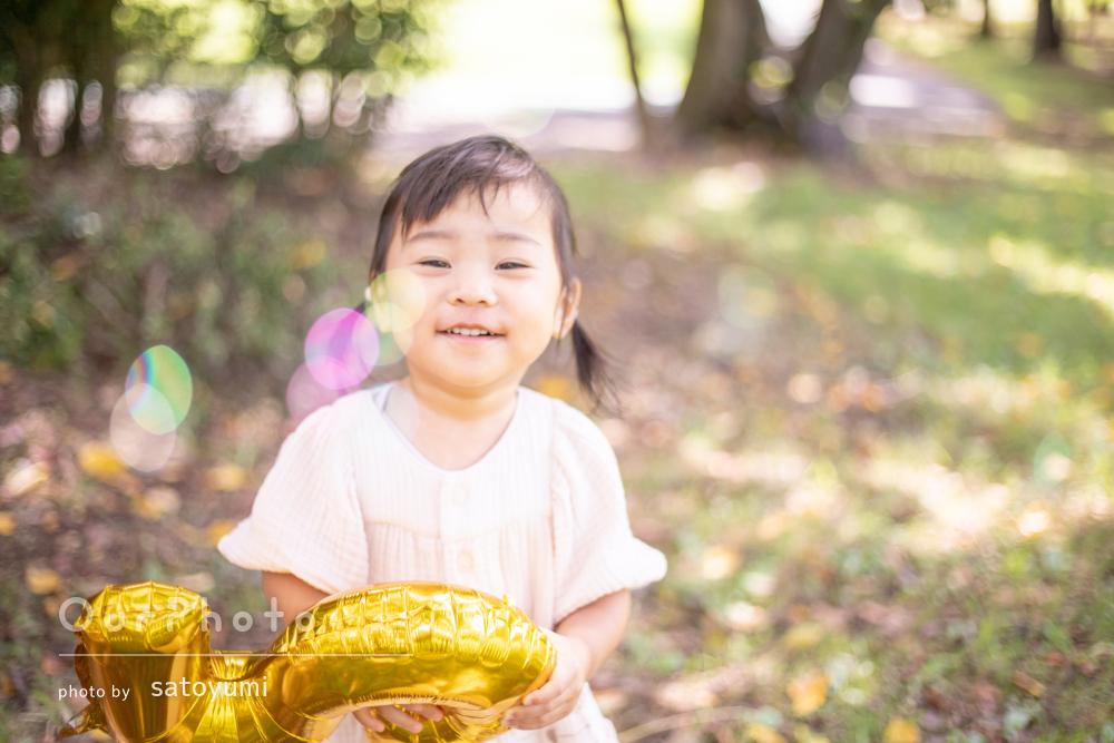 「良い記念になりました」秋を感じる公園へお出かけした家族写真の撮影