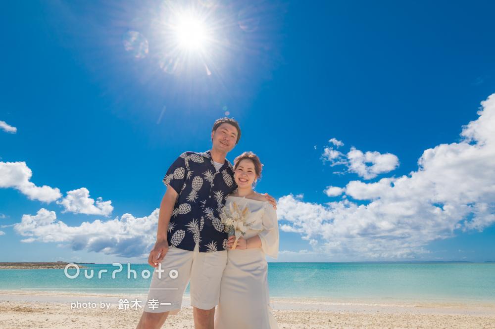 「とても楽しく、記念となる写真」青い海を背景にカップルフォトの撮影