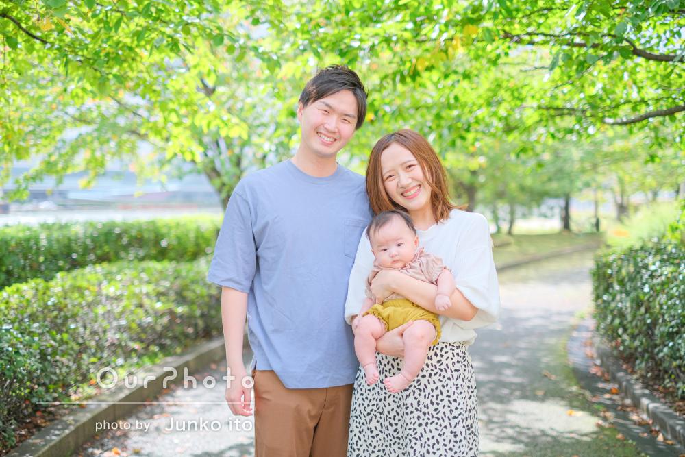 「ポーズの案を出していただいたり」光と緑があふれる家族写真の撮影