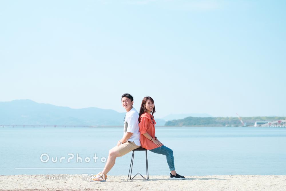 「どれも素敵な写真ばかり」海や草原で笑顔が素敵なカップルフォトの撮影