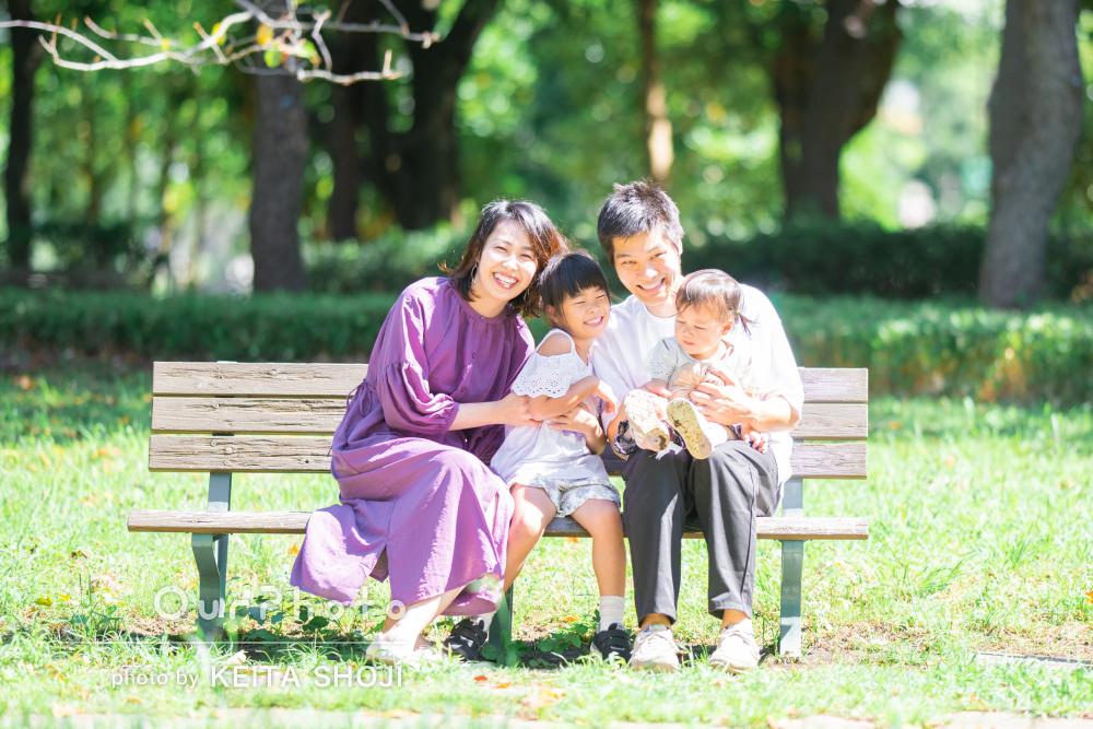 「自然なショットがたくさん!」楽しく公園で過ごす家族写真の撮影