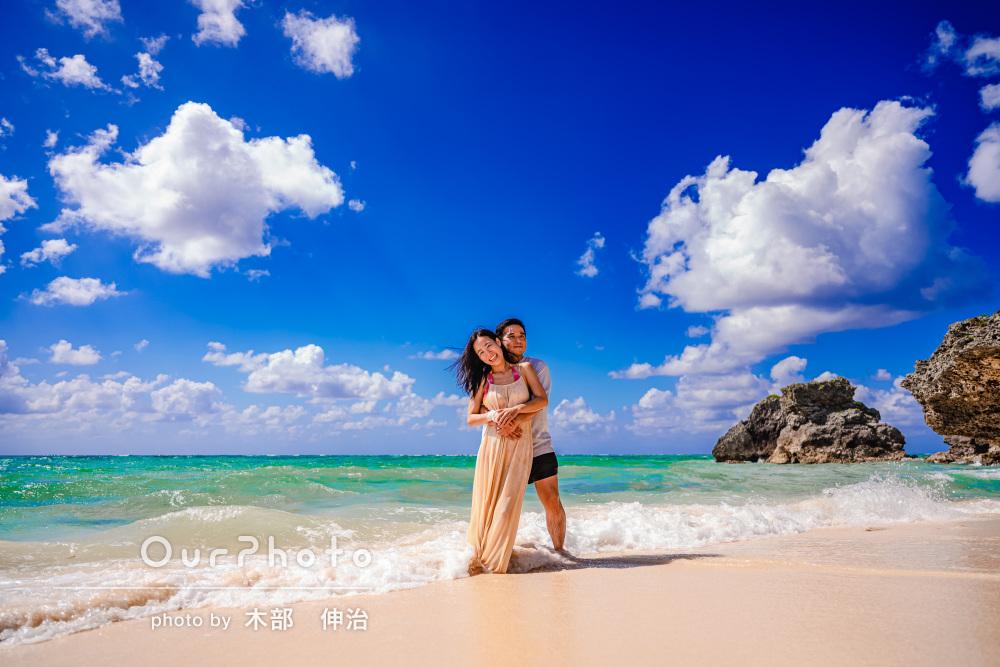 「本当に楽しい時間」沖縄の美しい海をバックにカップルフォトの撮影