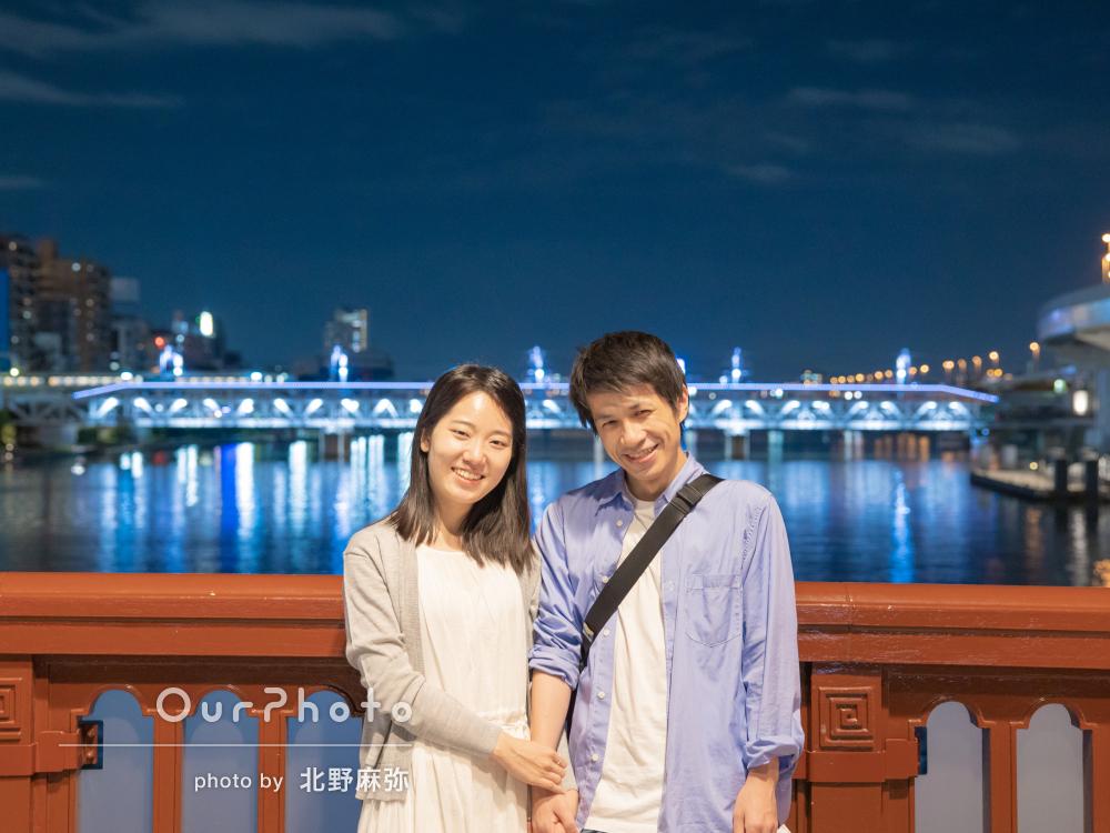 「普段撮れない写真がたくさん」輝く夜の街でカップルフォトの撮影