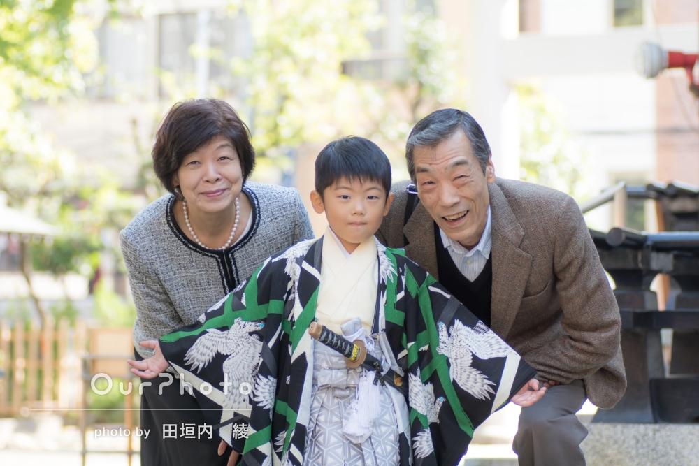 「いつも写真撮影を嫌がる息子もノリノリ」祖父母様もご一緒に七五三の撮影