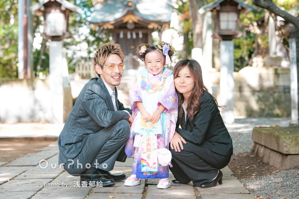 「楽しく撮影できました!」木漏れ日が美しい神社で三歳の七五三の撮影