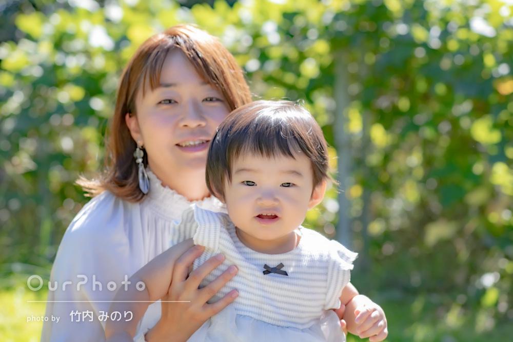 「イメージ通りに撮影して下さり」柔らかな秋の日差しの中家族写真の撮影