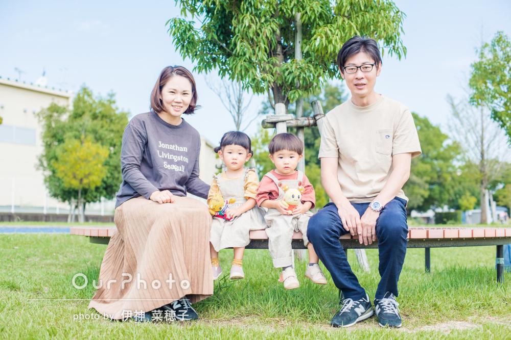 「色々と工夫してかなり粘って」双子ちゃんの2歳誕生日に家族写真の撮影