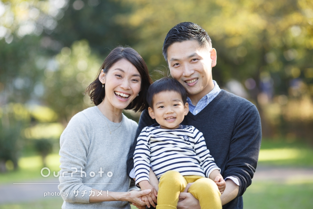 フォトグラファーと1年ぶりの再会!お子様の2歳記念に、家族写真の撮影