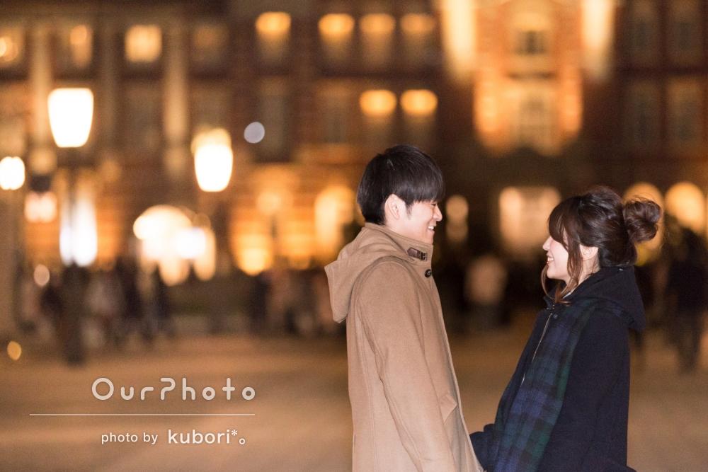 「今回も素敵」ライトアップされた街でロマンチックなカップルフォト