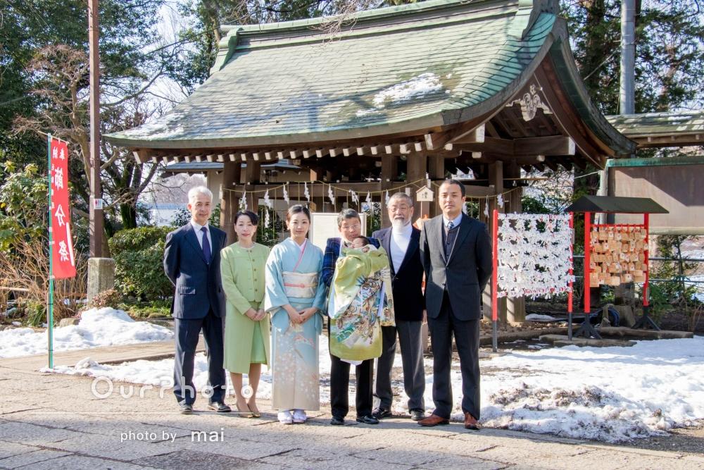 「暖かい雰囲気の家族写真」お宮参りの撮影