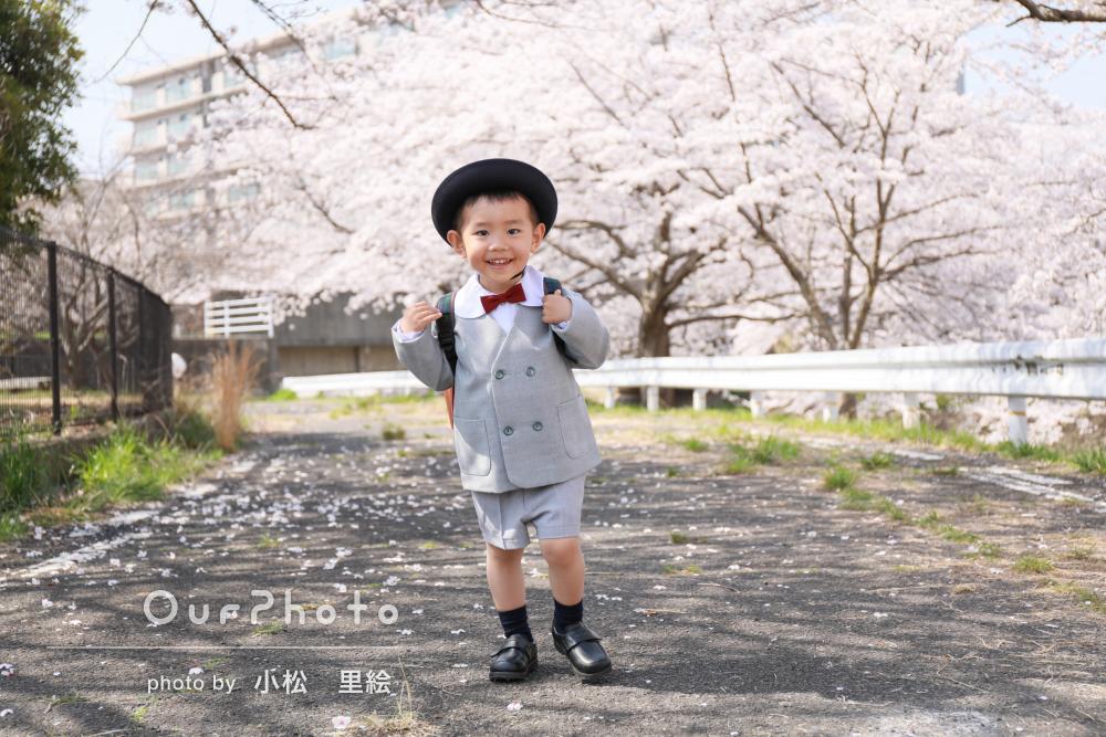 「桜の開花に合わせて」入園記念の写真