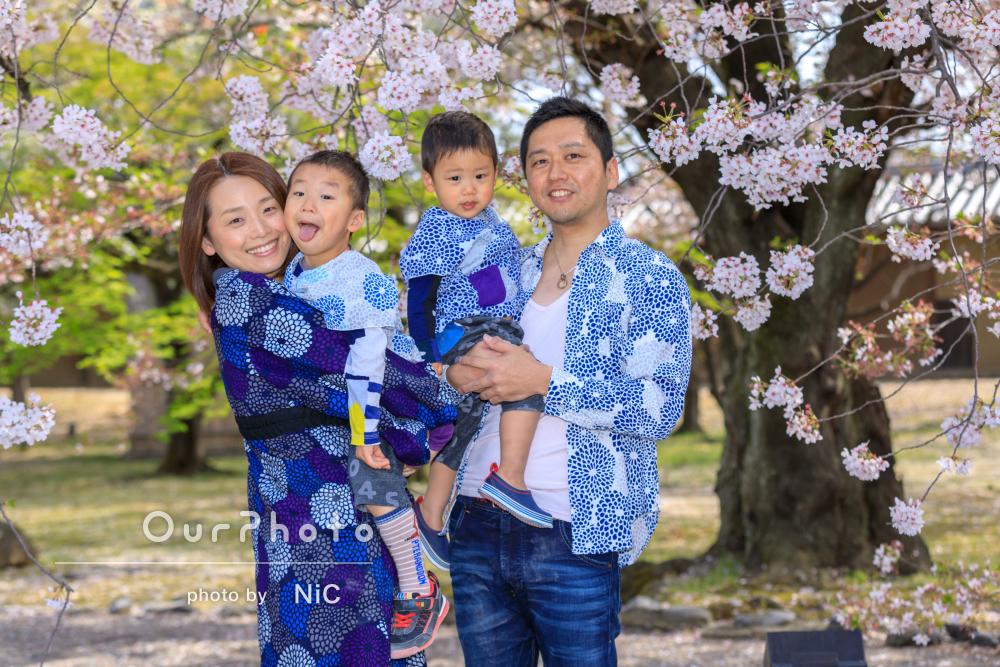 センスあふれるリンクコーデで!家族写真の撮影