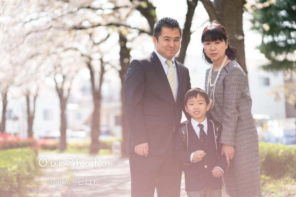 「自分では絶対に撮れない素敵な仕上がり」入学記念に家族写真の撮影