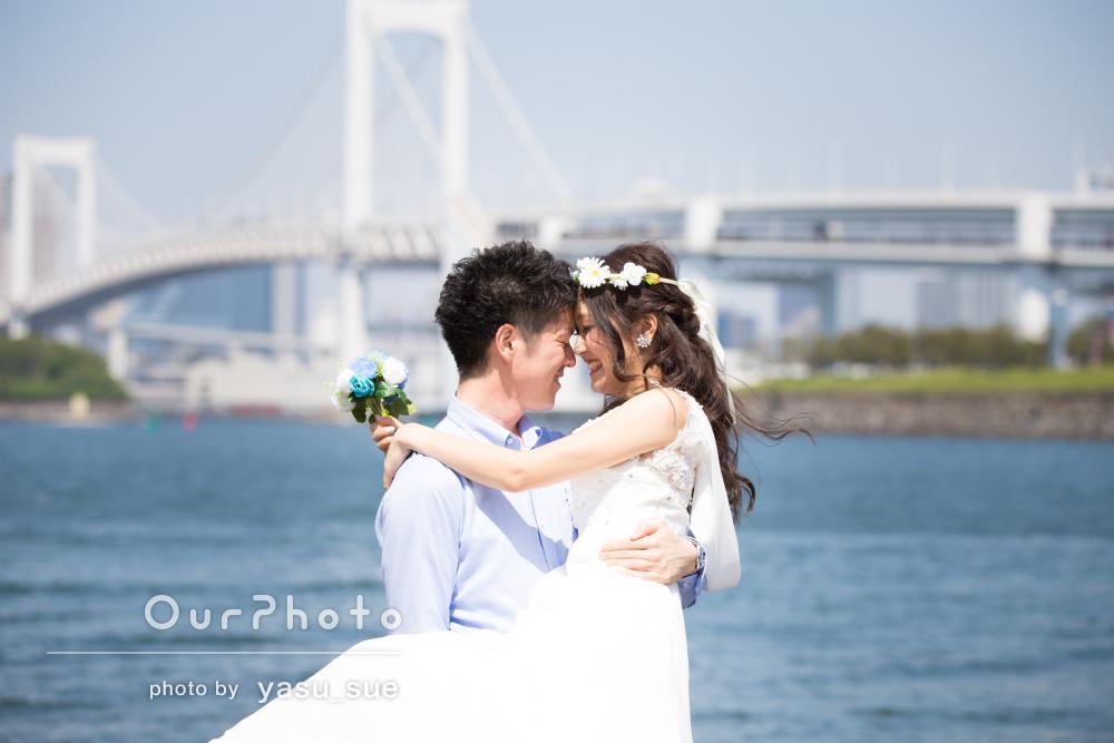 「とてもやりやすかった」「仕上がりも大満足」海辺で結婚式の前撮り