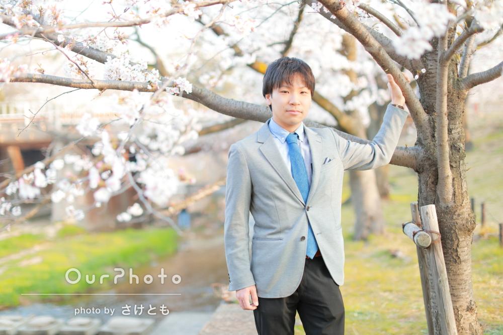 満開の桜をバックに!セミフォーマルなプロフィール写真の撮影