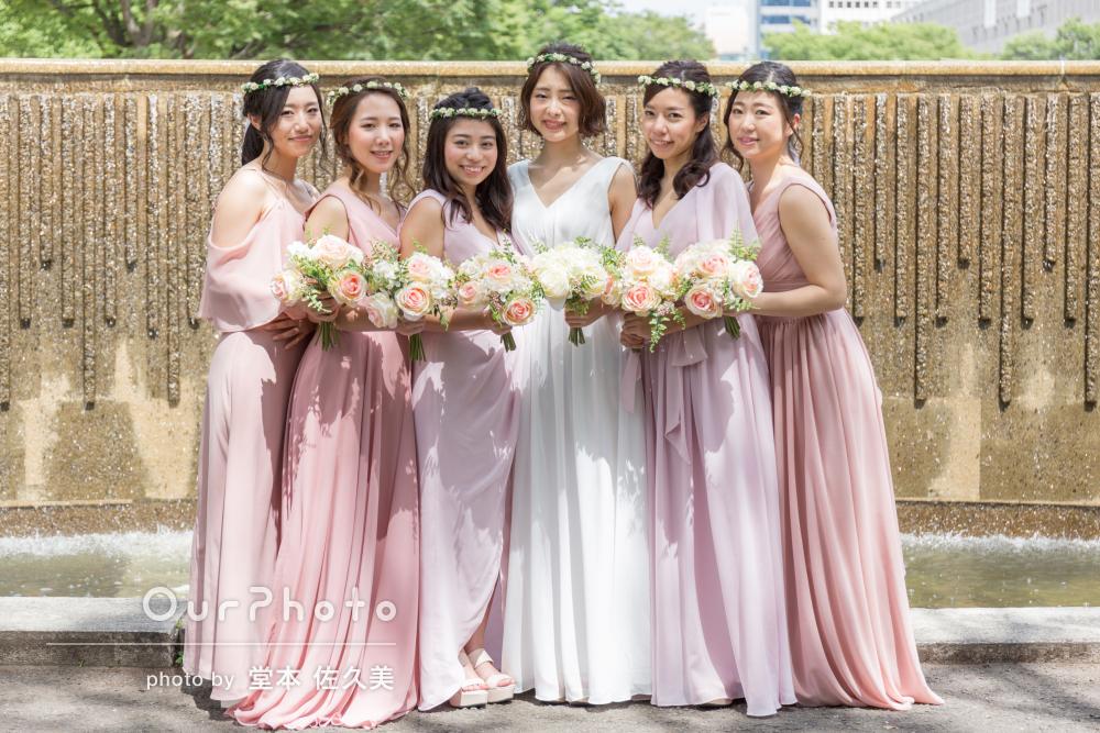 「とても綺麗」お揃いドレスで大集合!華やかフレンズフォトの撮影