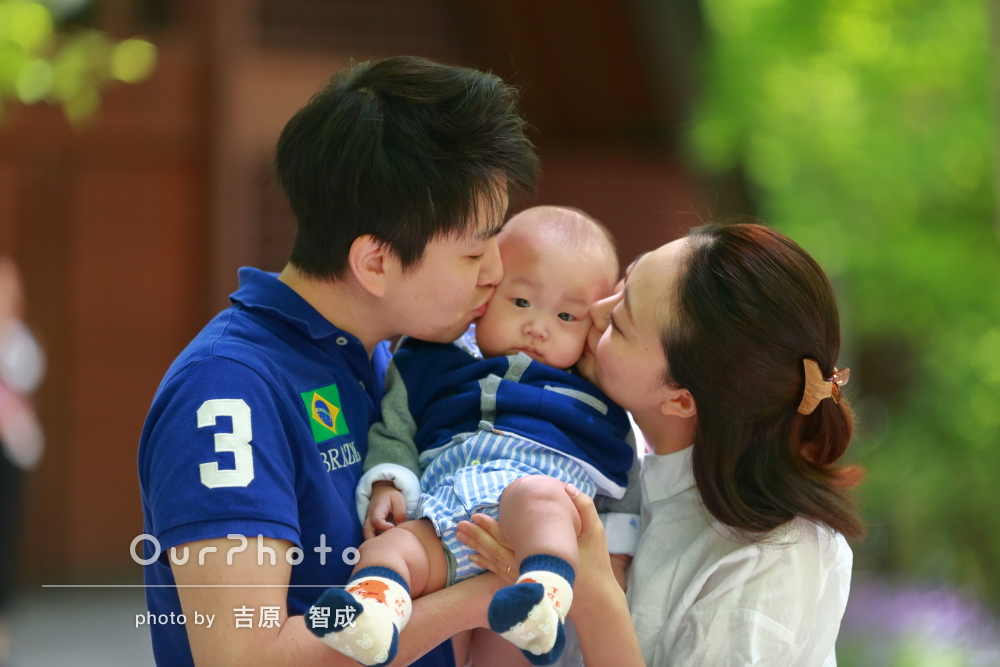 「いい記念になりました」旅行先で幸せいっぱいの家族写真の撮影