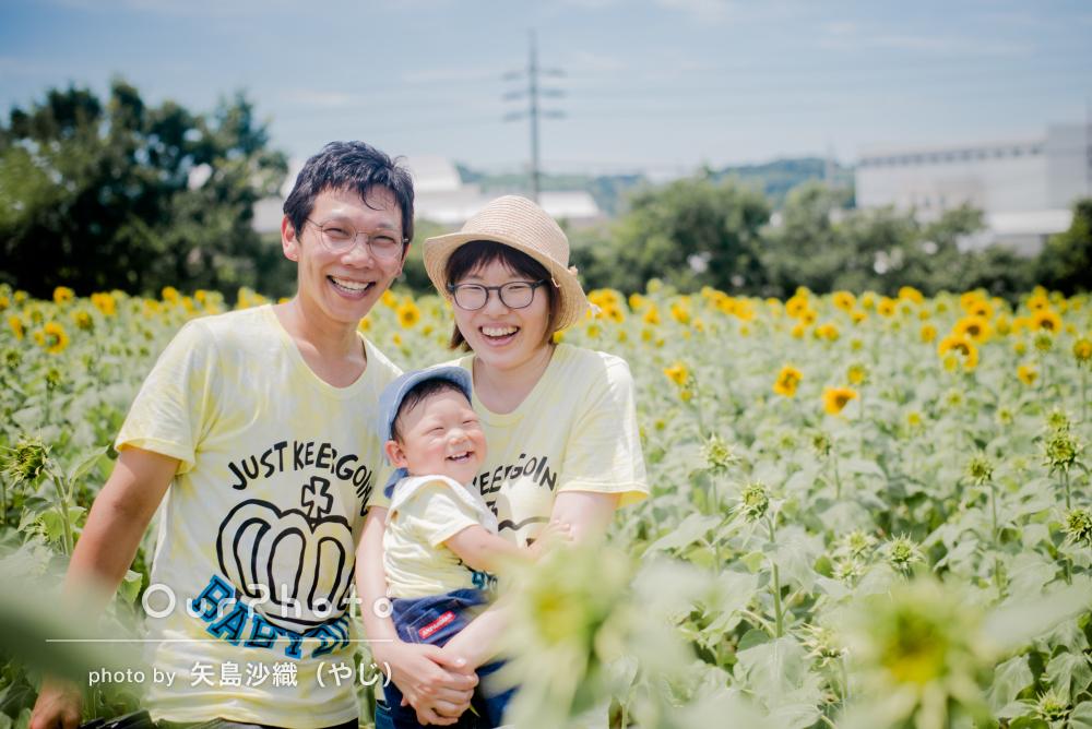 「見てるこっちまで思わず笑顔」1歳記念にひまわり畑へ出張撮影