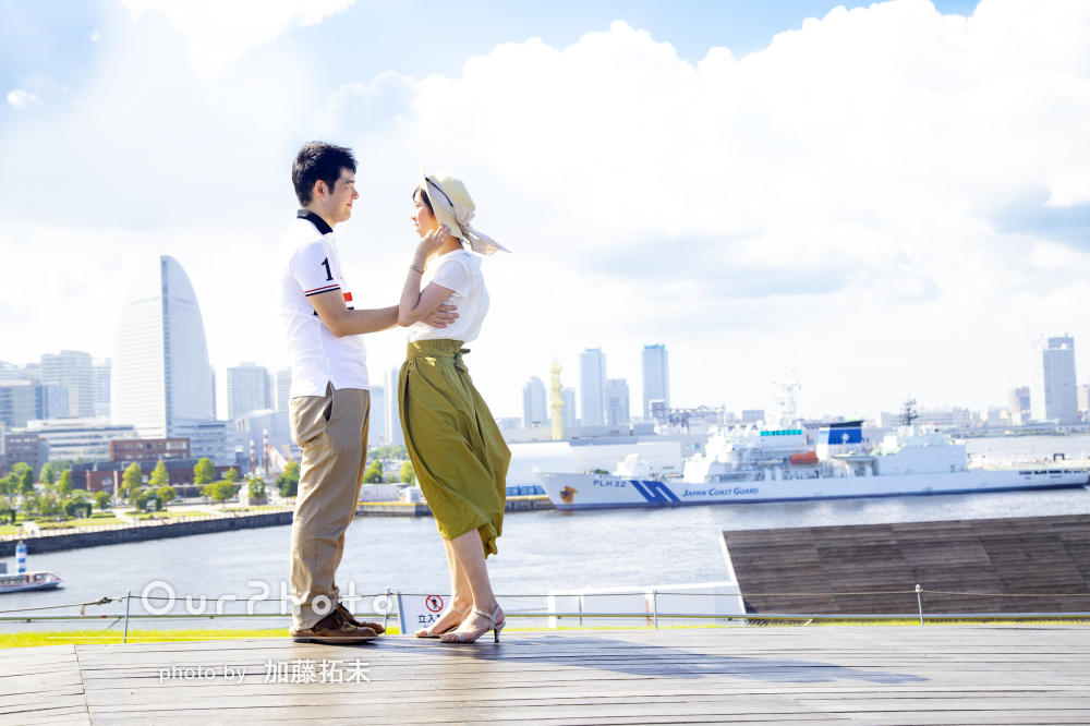 「交際4年の記念に何か綺麗に形に残したい」港町でカップルフォトの撮影