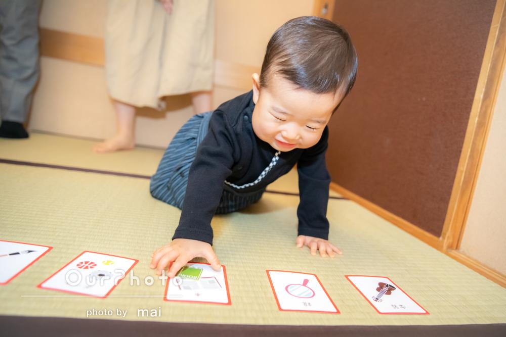 選び取りに背負い餅「人見知りな息子もごきげん」初誕生の撮影