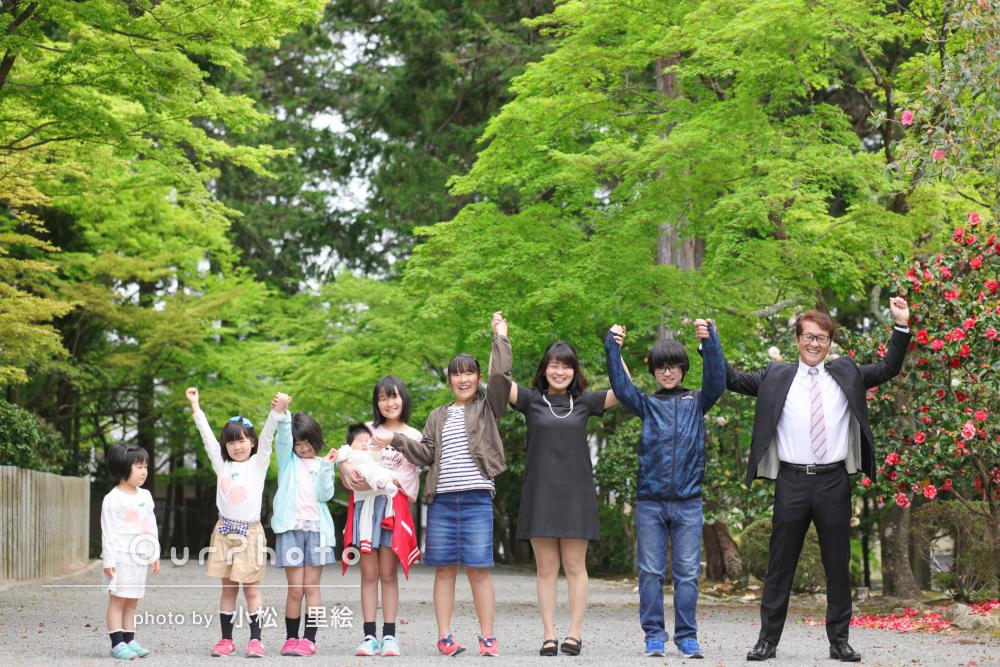 神社へ出張撮影!大家族みんなが笑顔のお宮参り写真