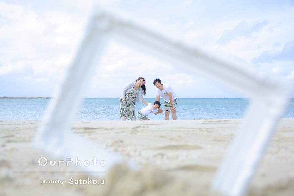 「大満足」沖縄の海で淡く優しい雰囲気の家族写真の撮影