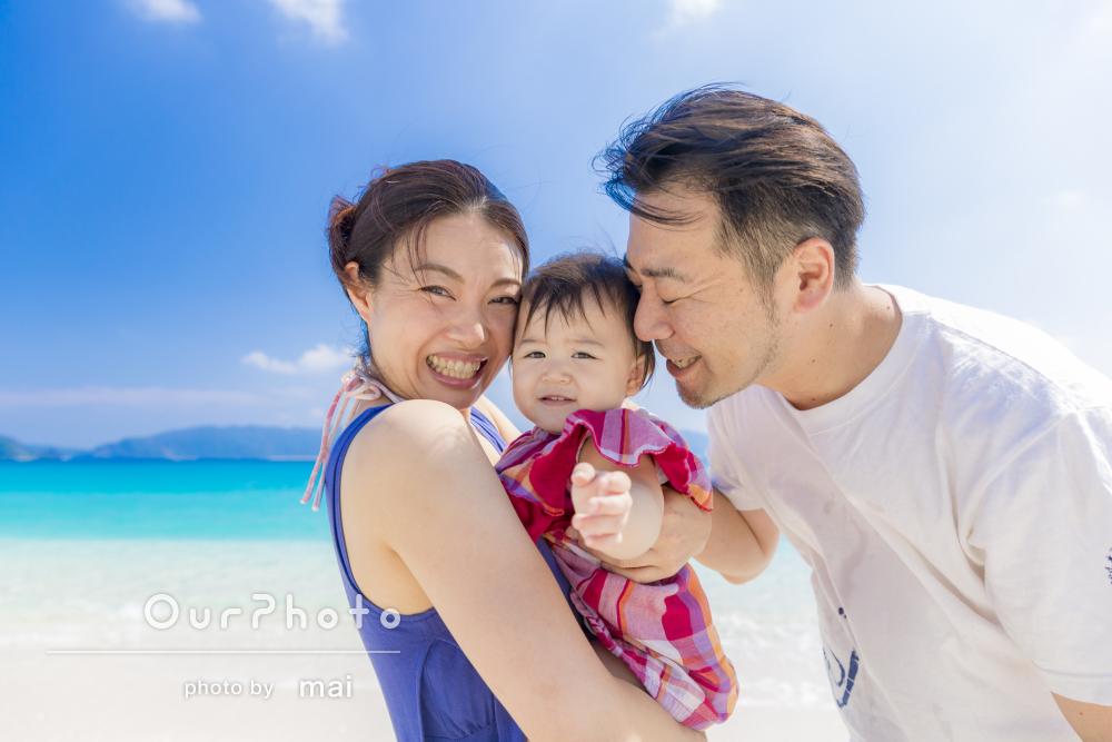 1歳の誕生日記念に!沖縄のビーチで楽しく家族写真の撮影