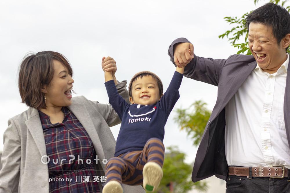 お子さんの体調に合わせて柔軟に対応!素敵な笑顔の家族写真の撮影