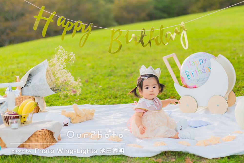 「大変素敵な時間と記念!」一面黄色の丘で1歳の誕生日の撮影