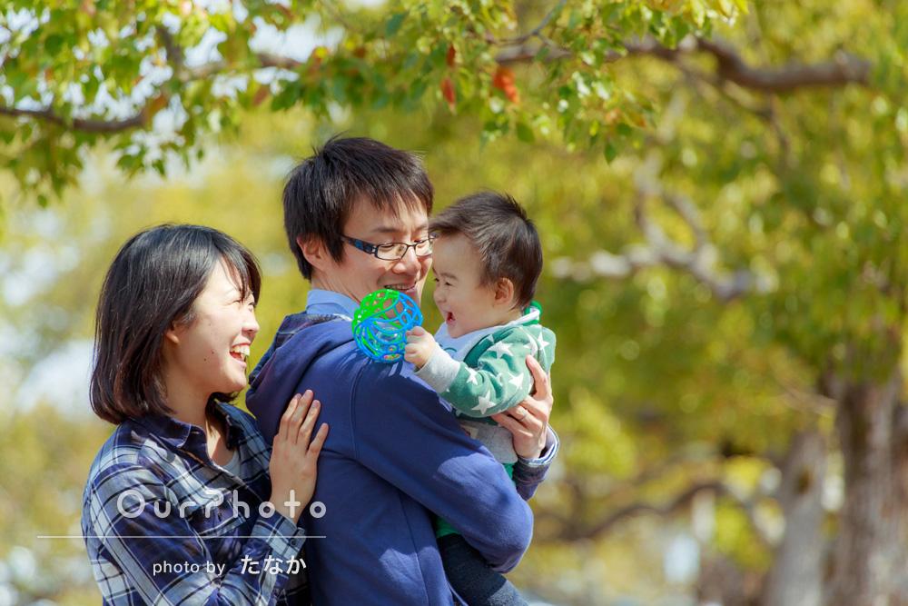 「優しく上手に笑顔を引き出してくださり、とても楽しい撮影でした」0歳のお子様と家族写真