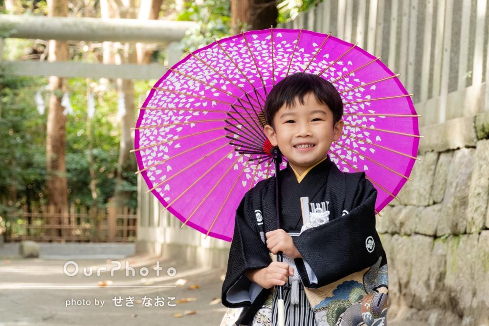 「不機嫌な四歳から笑顔が何度もこぼれました」光が綺麗な七五三撮影