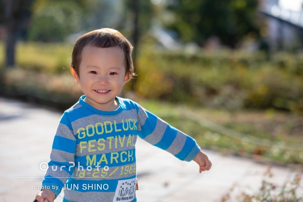 じっとしていられない2歳の男の子も!いきいき誕生日の記念撮影