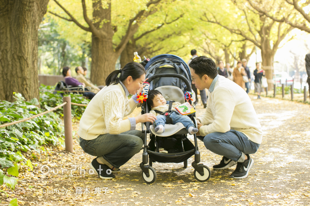 「柔軟に対応して頂けました」紅葉が印象的な1歳誕生日の家族写真
